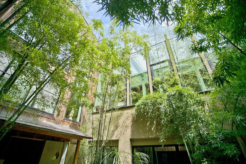 L 39 ancienne maison de kenzo takada nouveau sur le march for Jardin iwaki